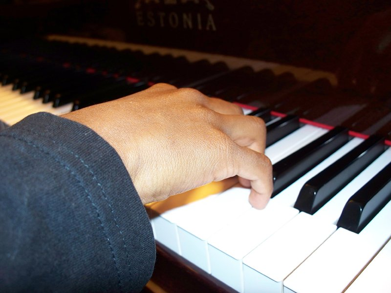 Hand position 1